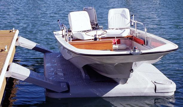 Global Floating Docks and Drive-On Boat Lifts Market on Target