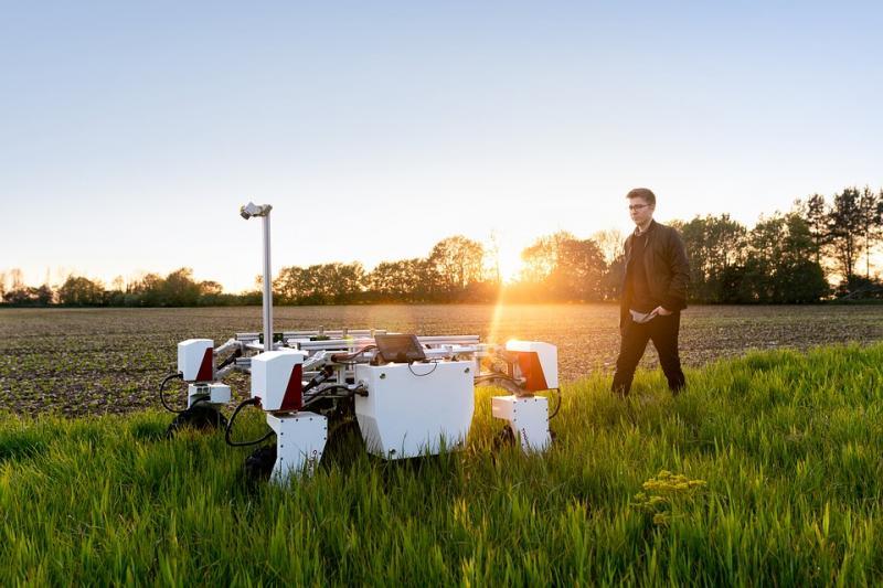 Agricultural Robots Market 2020