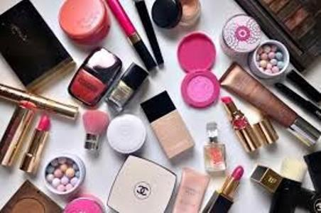 Luxury Beauty Market (impact of COVID-19) with Top Players: