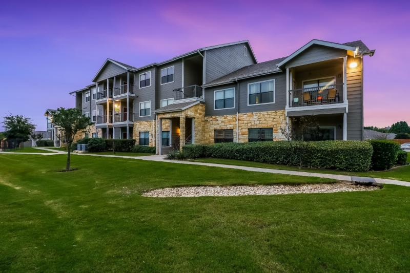 """HLC Equity's Republic Deer Creek Property, a 336-unit """"Layers-managed"""" multifamily property, located in Fort Worth, Texas"""