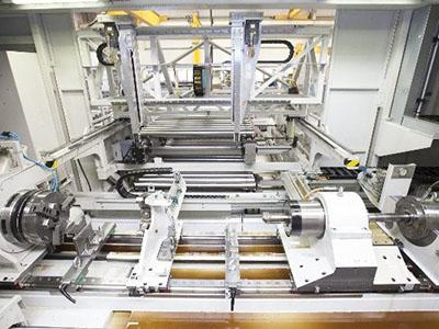 A view of the inside of the ML500. In the background, the fully automatic loading and unloading unit.