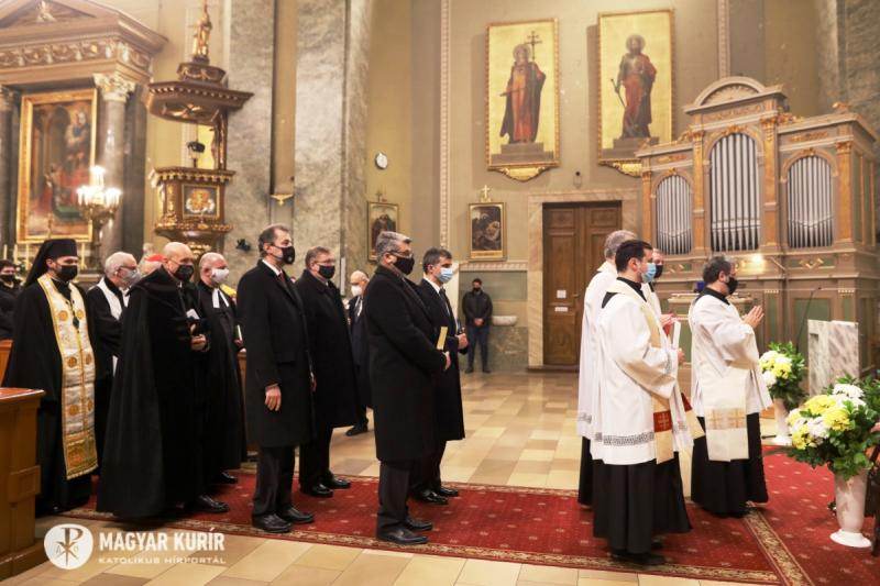 """Adventists, Catholics and Evangelicals Unite in Hungary """"By"""