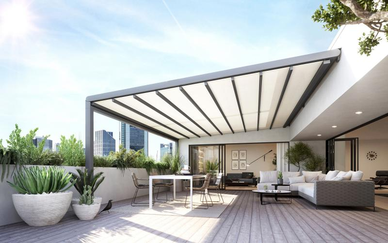 """The new markilux """"pergola stretch"""" offers all-round weather protection in considerable sizes."""