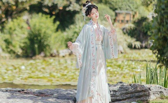 What Are the Common Mistakes to Avoid When Buying Hanfu?