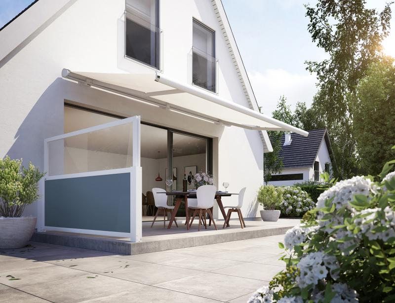 With the 'format lift' by markilux you can protect yourself from the sun, the wind and even from prying eyes.