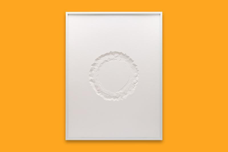 Stefanie Herr, Premium Disposable Plate, 2020, 300gsm mounting board, 60x45x2cm − © Stefanie Herr Visual Artist