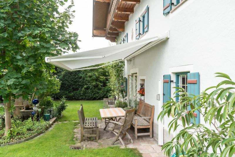 The folding-arm awning MX-3 by markilux has won over all the important core markets of the company in only two years.