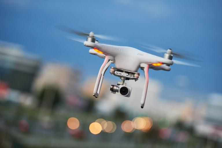 Drone Services Market by Type, Application, Industry, Solution