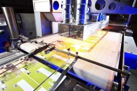 Infrared emitters, UV lamps and systems make printing processes efficient.