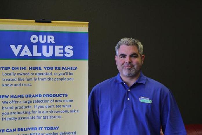 Justin Jordan, Fort Worth ColorTyme Manager