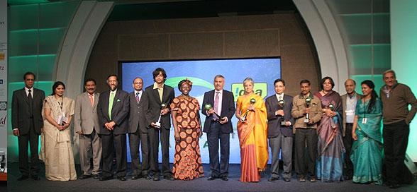 Proud to be BITSian Raghav Mimani (sixth from left) with other Dignitaries at Green Globe Foundation Award