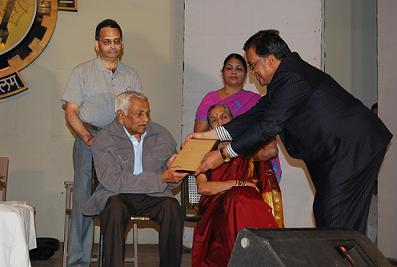 Prof BD Deshpande being felicitated at Coral Jubilee Reunion BITS Pilani