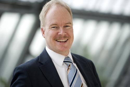 Günter Laubinger (46) is the new departmental head of Contracting and Procurement at BBB