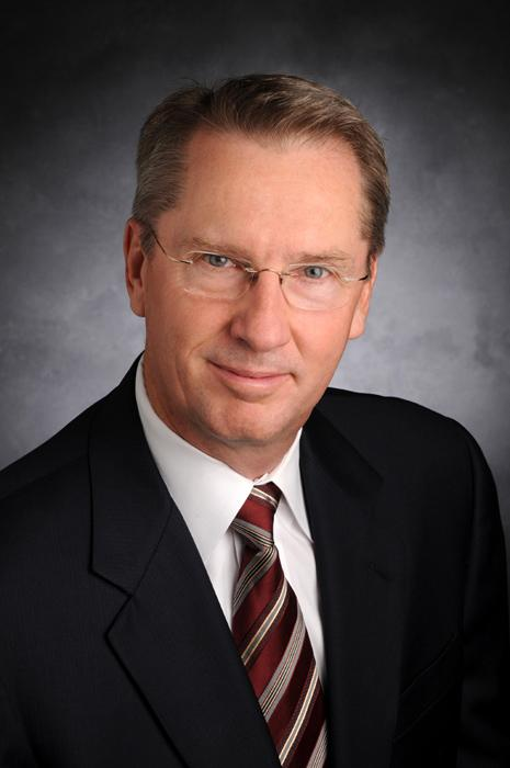 Julian Fruhling is the new President of Private Banking in Arizona  for Enterprise Bank & Trust