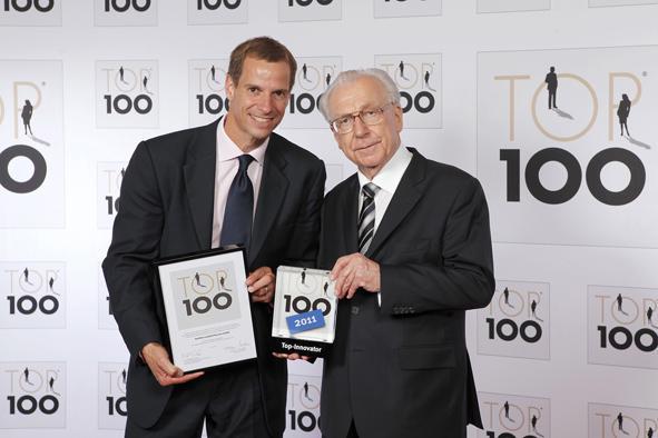 Dr. Andreas Widl, CEO Oerlikon Leybold Vacuum, and Lothar Späth