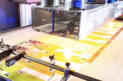 IR heaters, UV lamps or UV LEDs are curing digital printings