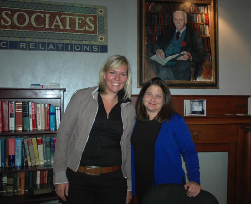 oha communication's Verena Engenhart (left) gains experience  abroad with Shelley Spector (right) and her team, source: oha communication