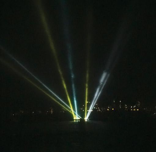Light show for Maharashtra Day 2010 in Mumbai, India; Photo: © Sonu A. B.