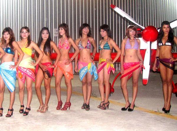 Phuket Air show bikini competition