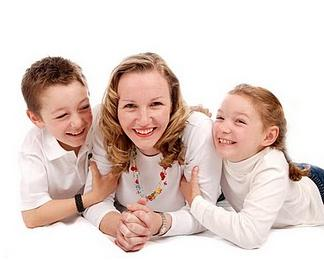 Innocent Vitamins founder Dawn Reid with her children Henry and Beatrice
